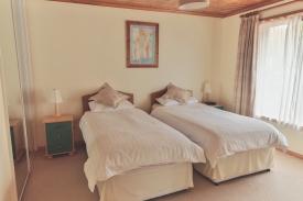 06-bedroom-2